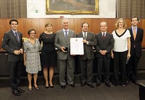 Manoel Sousa Lima Júnior é homenageado na Câmara Municipal