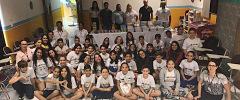 COMJOVEM Maringá entrega kits escolares para jovens do Programa Florescer