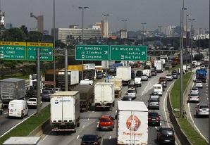 Suspensa a Exigência de Atualização dos Requisitos Técnicos das Placas Traseiras dos Caminhões