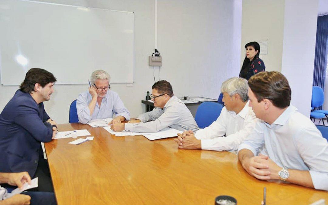 Acesso à SP-77 em Jacareí é solicitado em reunião no DER