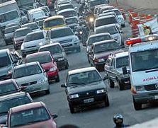 Kassab edita decreto que restringe circulação de caminhões