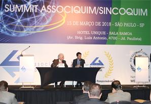 Presidente do SETCESP palestra no SUMMIT ASSOCIQUIM/SINCOQUIM