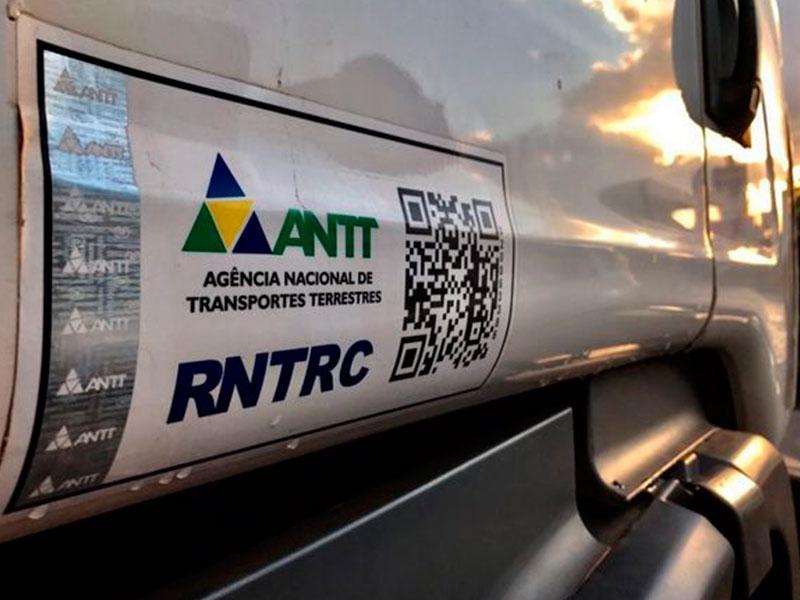 ANTT acaba com adesivo de identificação do RNTRC