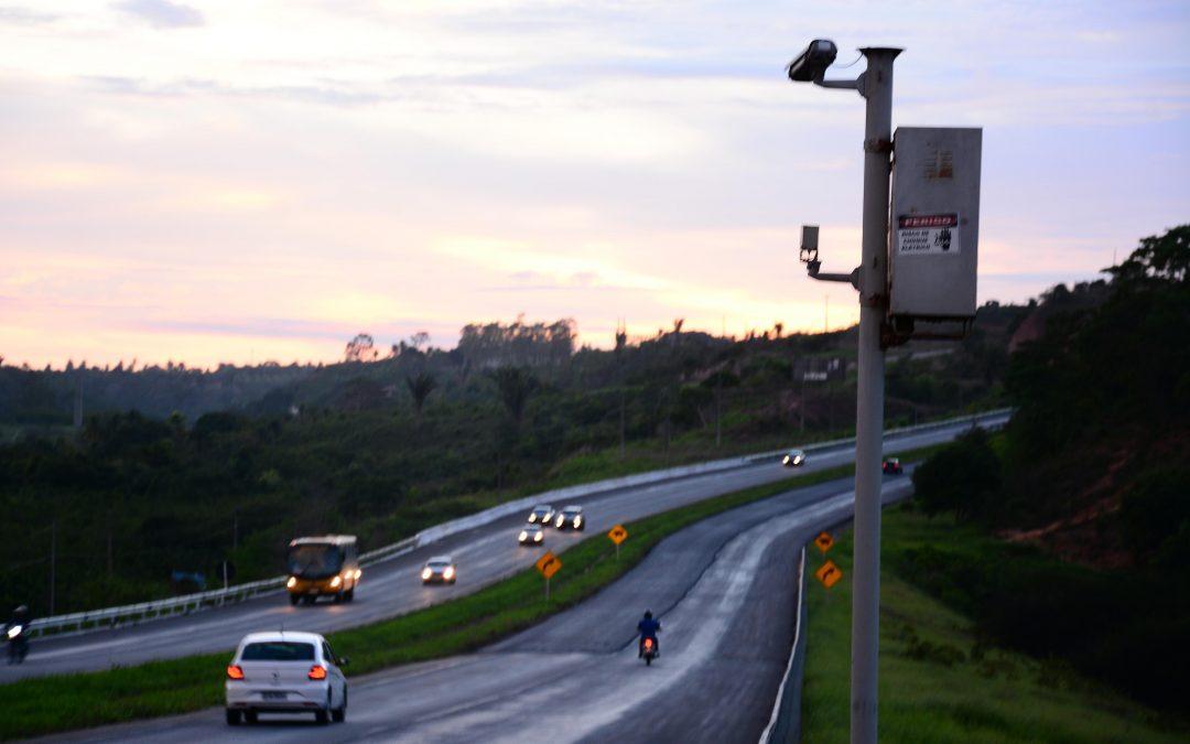 Ao menos 18 mil km de rodovias federais estão sem radares