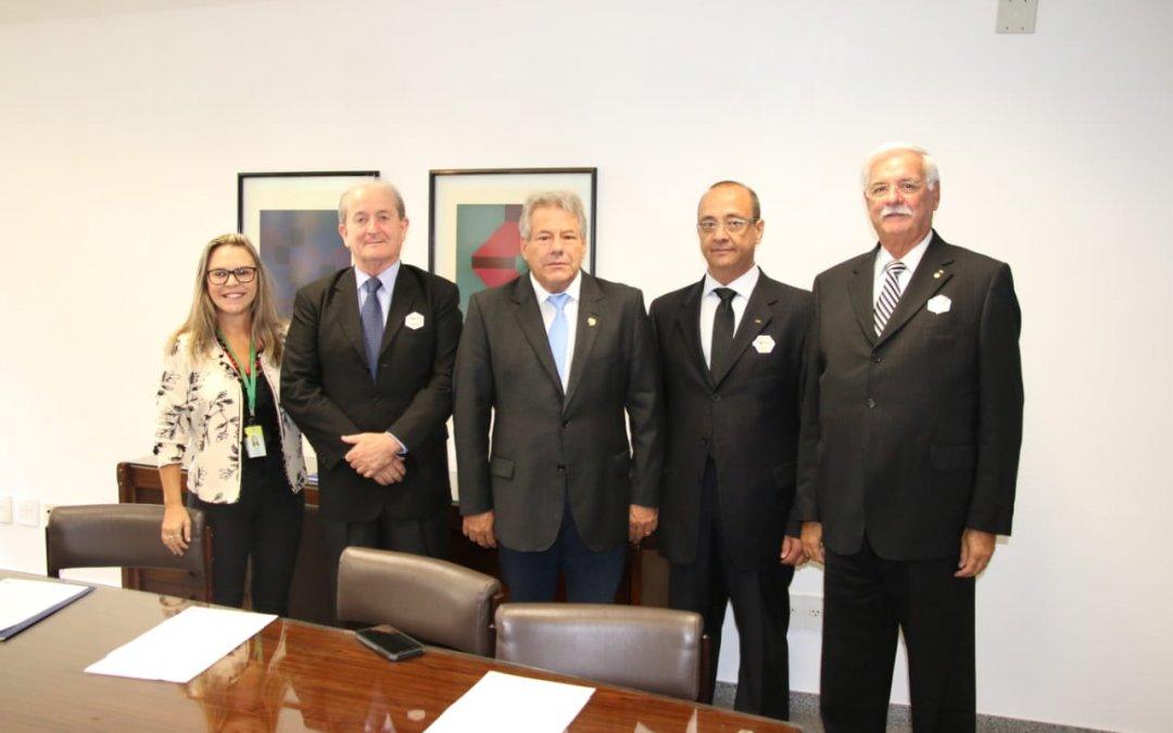 Presidente da NTC visita o senador Luiz do Carmo, MDB/GO, novo relator do Marco Regulatório
