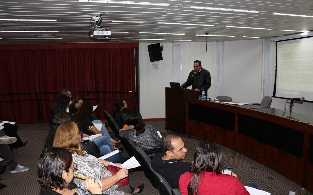 Diretoria de Recursos Humanos debate sobre as negociações salariais de 2019/20