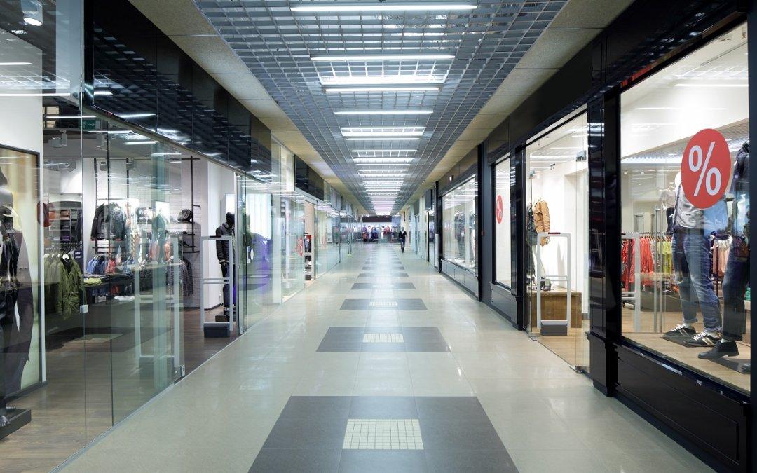 Número de lojas fechadas no país volta a subir após cinco trimestres