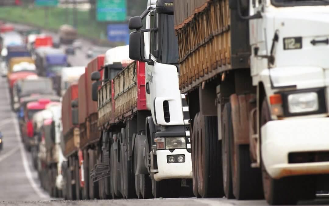 Setor de transportes de cargas prevê queda em MG
