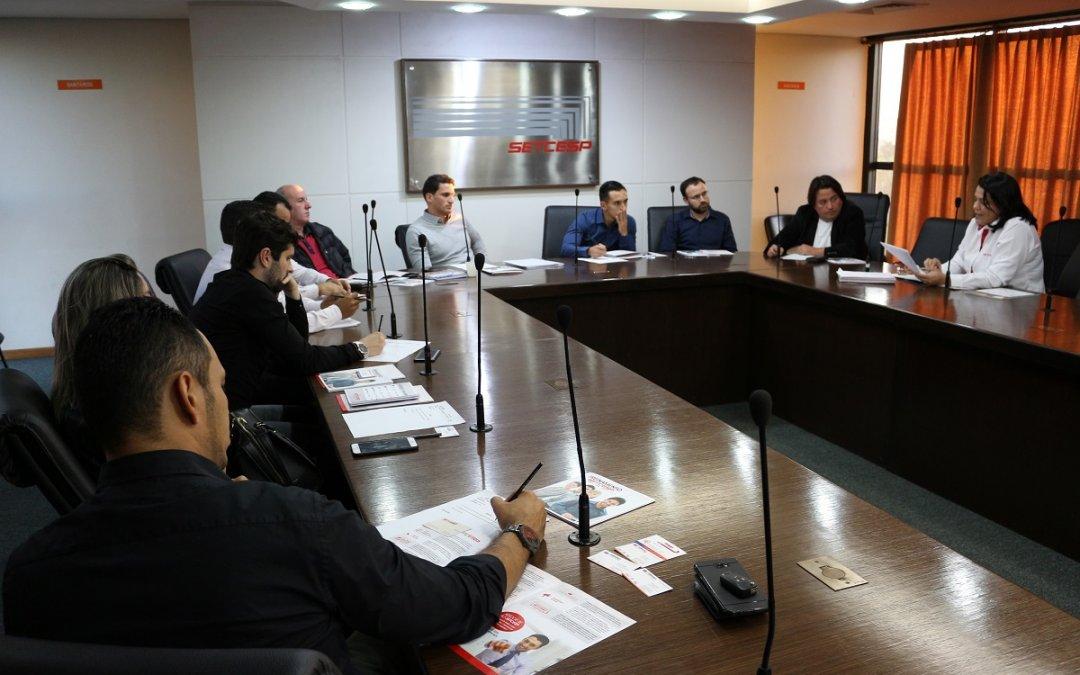 Diretoria de Mudanças discute a liberação dos caminhões do segmento no rodízio municipal
