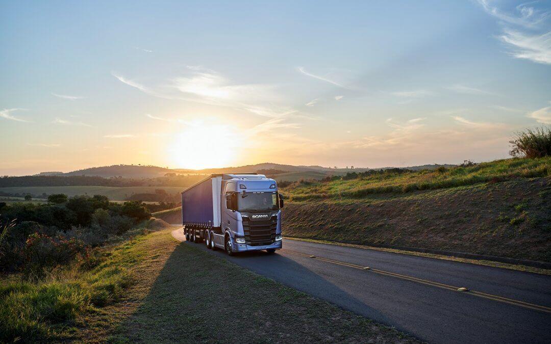 Scania comemora marca de 20 mil veículos conectados no Brasil