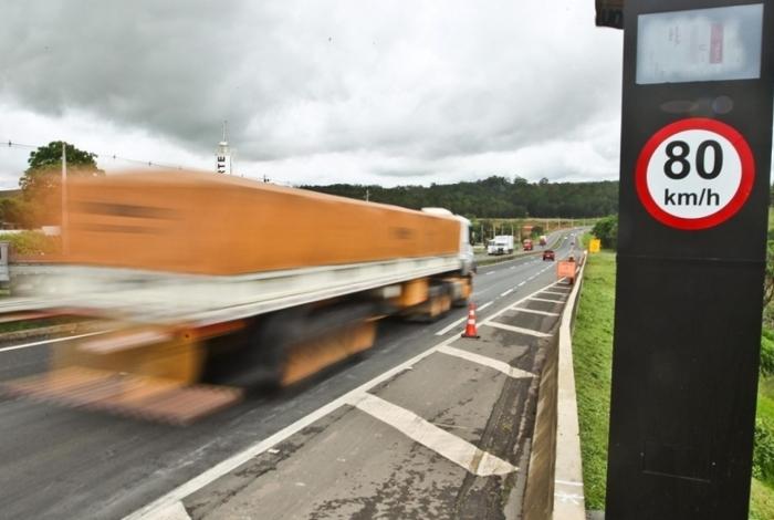Governo vai instalar mil radares em rodovias federais, diz ministro