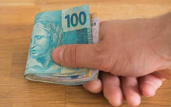 Saques do FGTS de até R$ 500 vão de agosto de 2019 a março de 2020, diz ministro