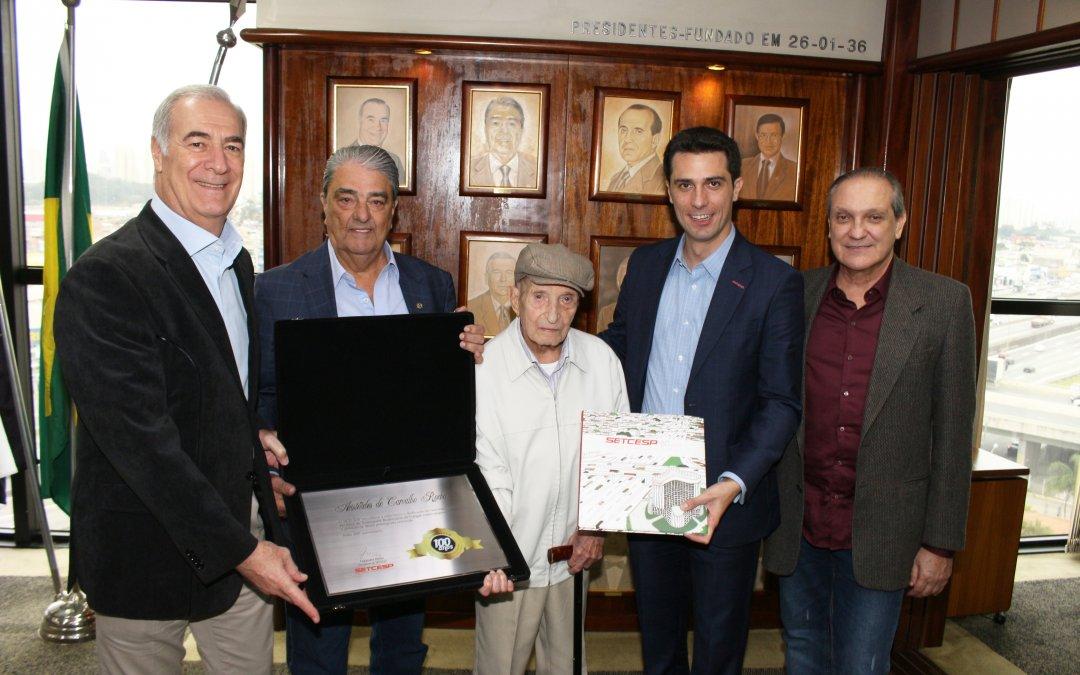 Rochinha recebe homenagem pelo seu aniversário de 100 anos