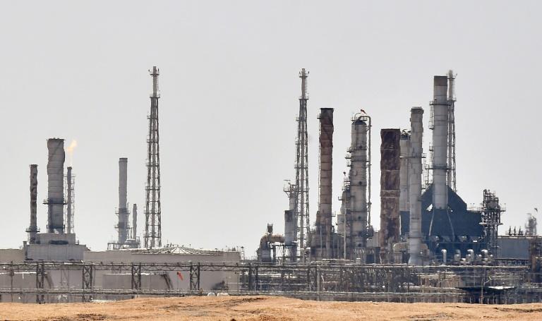 Tensão entre Irã e Arábia Saudita faz disparar preço do petróleo após ataques de drones