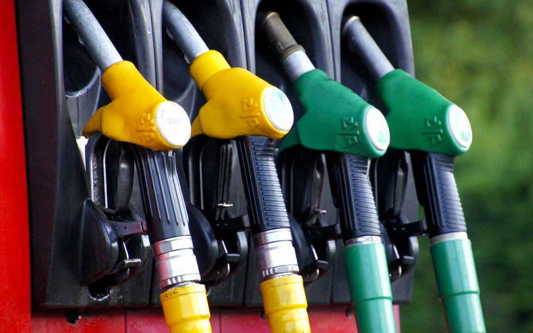 Ministro de Minas e Energia destaca preço do diesel menor que no ano passado