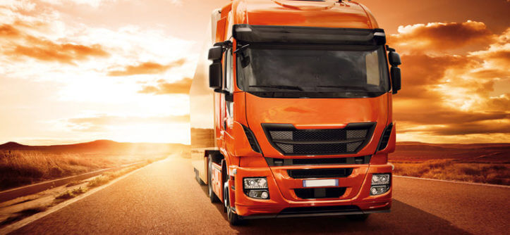 Emplacamento de caminhões cresce mais de 40%