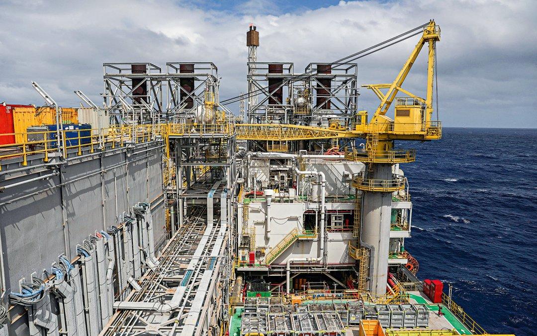 Petroleiros anunciam que entram em greve a partir de sábado
