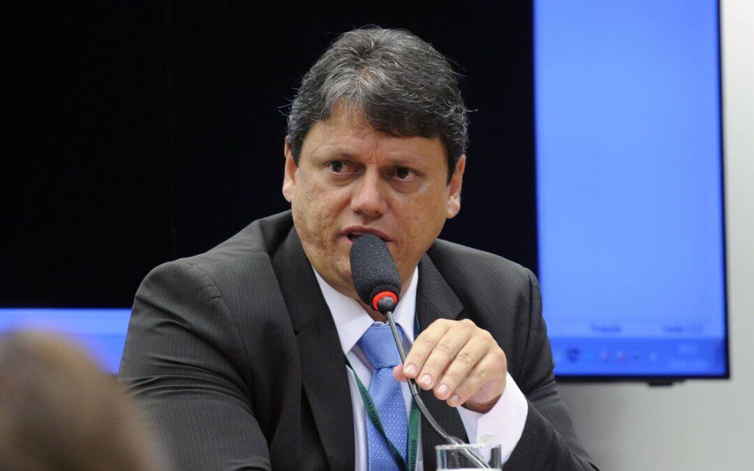 7 perguntas para o ministro da infraestrutura, Tarcísio Gomes de Freitas
