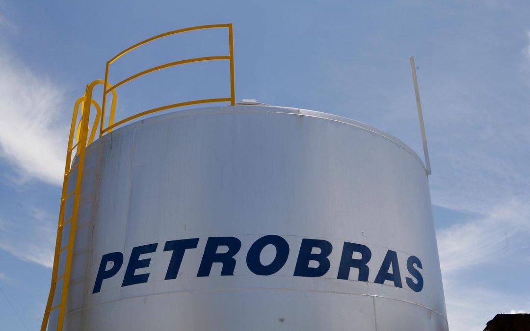 Petrobras aumenta preço médio da gasolina em 2,8% nas refinarias