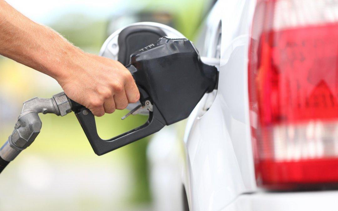 Ministro diz que vai propor instrumento para conter preço do combustível