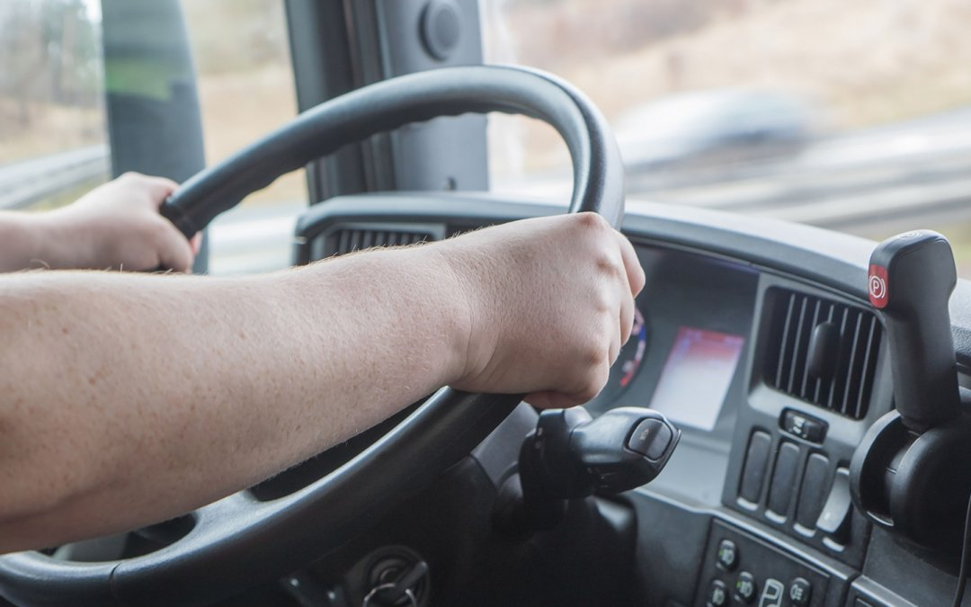 Projeto exclui demissão por justa causa de motorista suspenso