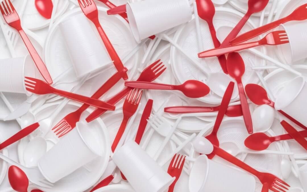Utensílios plásticos descartáveis serão proibidos na cidade de São Paulo