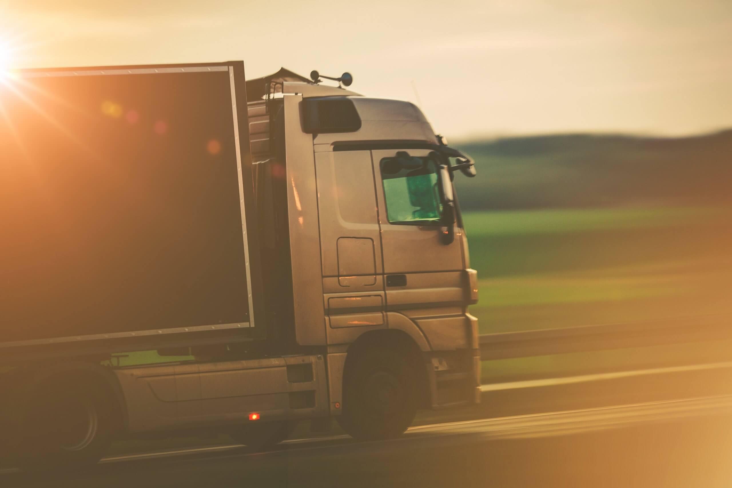 Resultado de imagem para Pagamento de frete atrasado cresce e atinge 61,5% das transportadoras