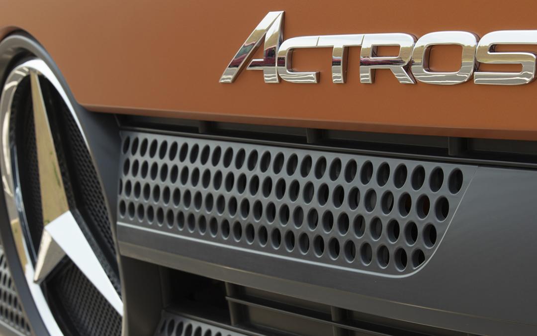 Actros 2651 é o caminhão mais vendido no mercado brasileiro em julho