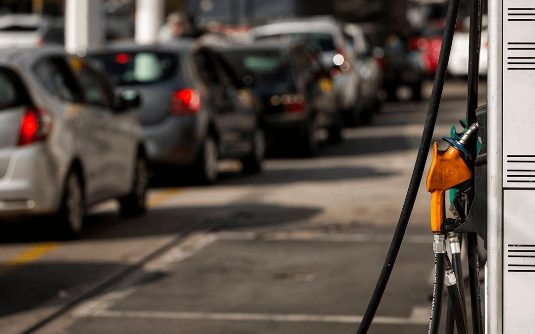 Gasolina ficaria 44% mais barata se proposta de zerar tributo fosse cumprida