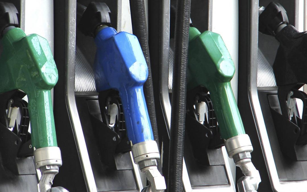 Preço dos combustíveis voltam a recuar em meio a quarentena