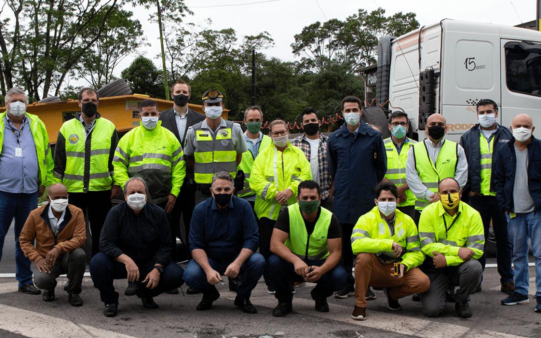 SETCESP acompanha testes com bitrem na rodovia Anchieta