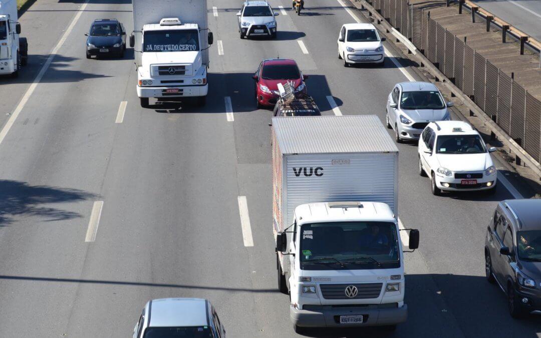 Veículos isentos do rodízio em SP deverão cadastrar-se para obtenção de AET