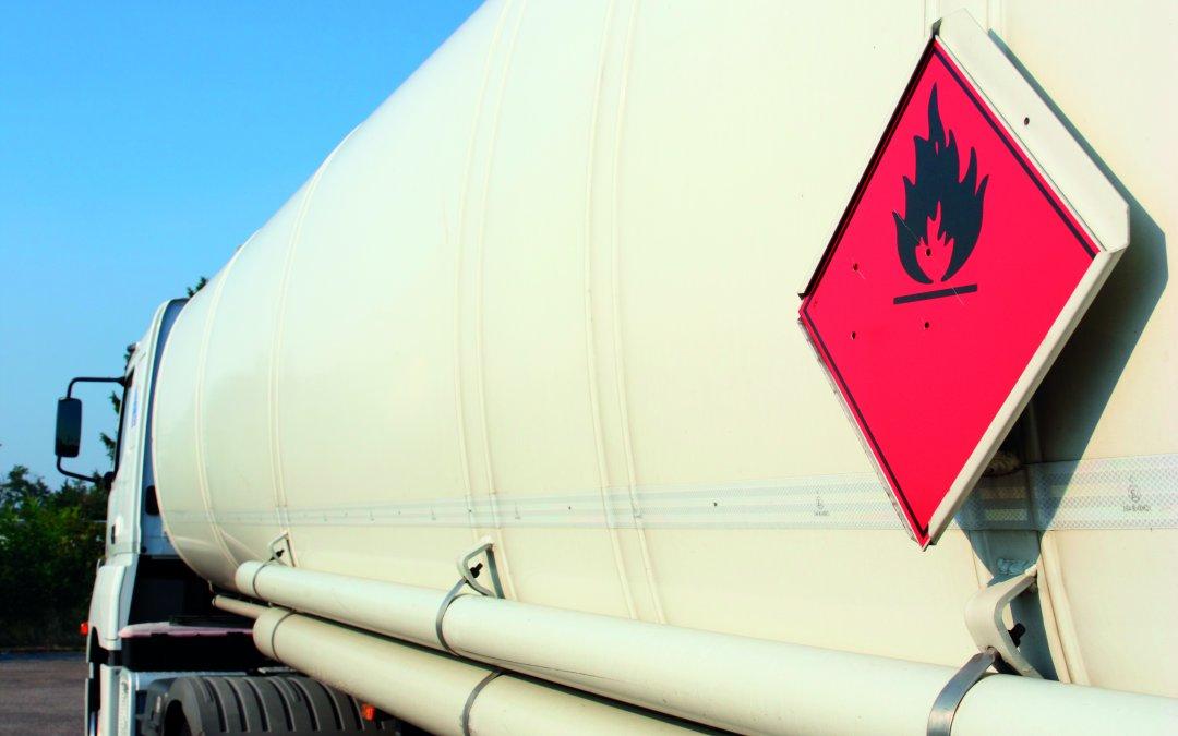DNIT estabelece regras para cadastramento de rotas no transporte de produtos perigosos