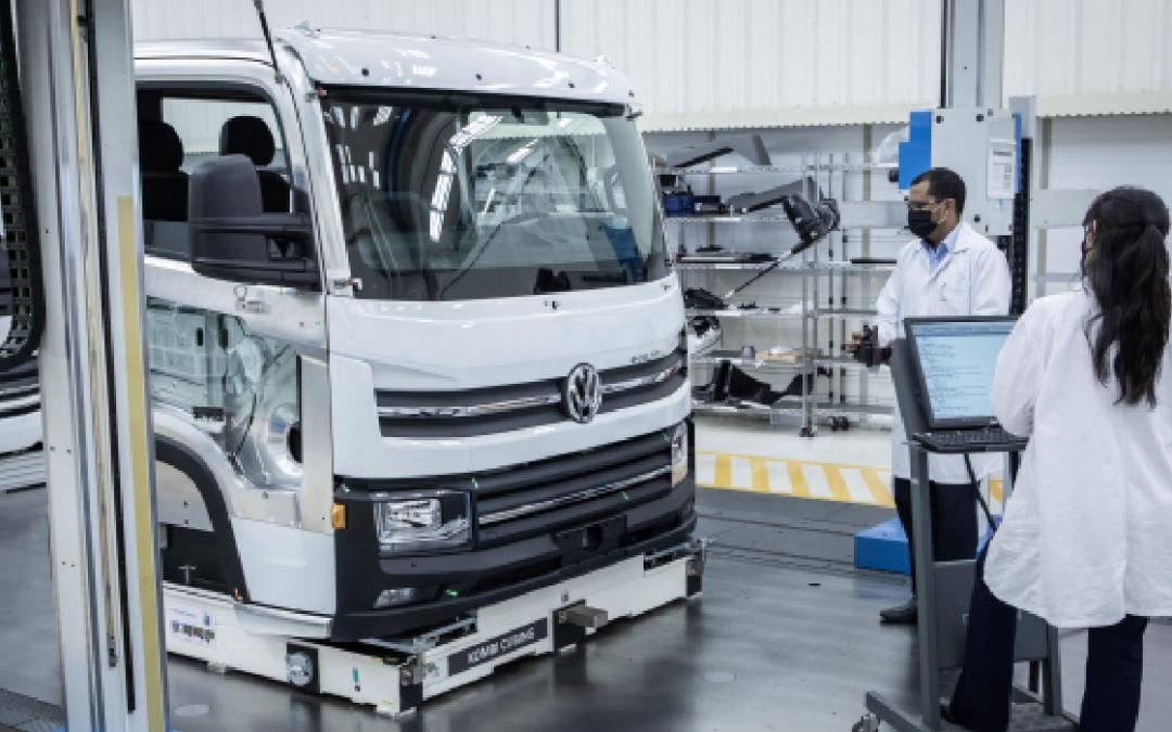 Produção em série de caminhões elétricos VW é pioneira no Brasil