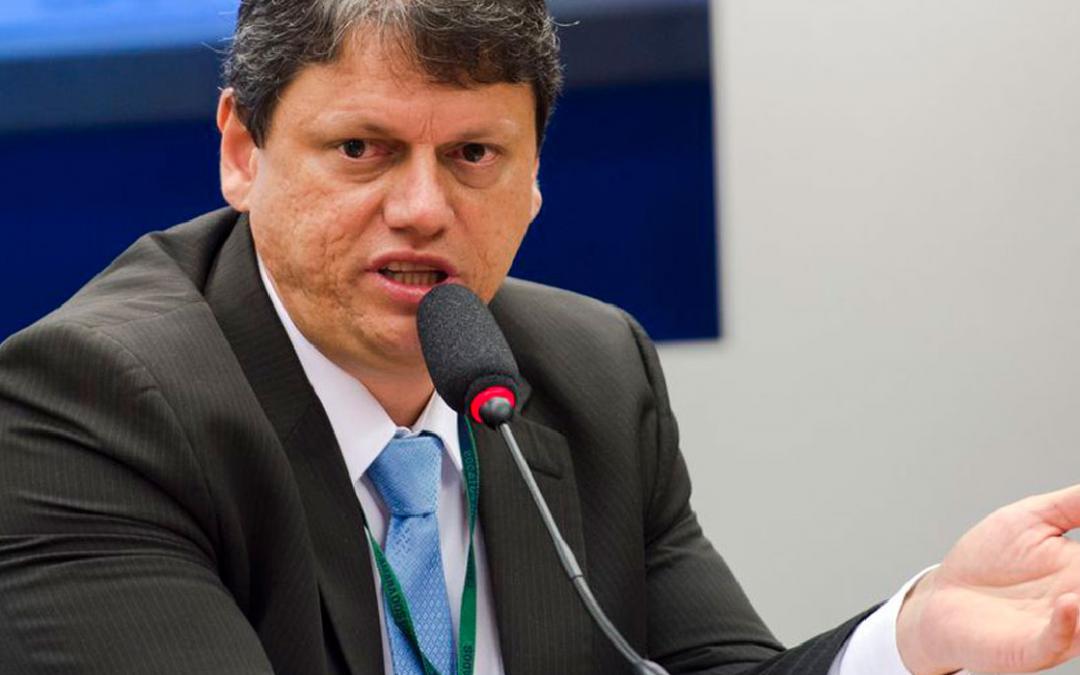 É fundamental reforma tributária que diminua a burocracia e a carga, diz ministro