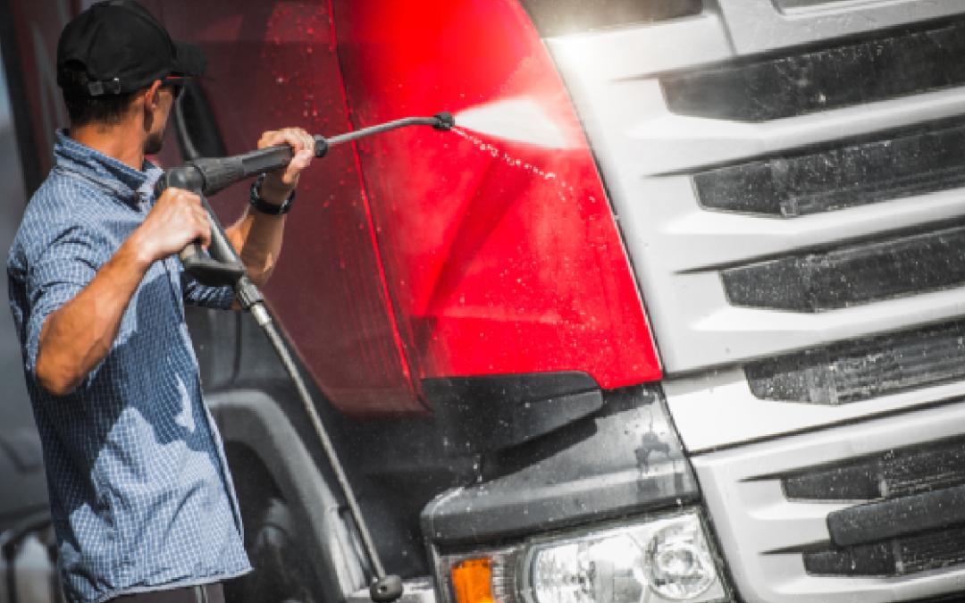 Últimos dias para garantir desconto em lavagem e lubrificação de caminhões com o Clube de Compras SETCESP